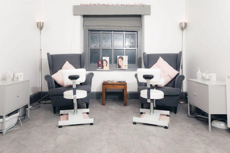 Salon-8